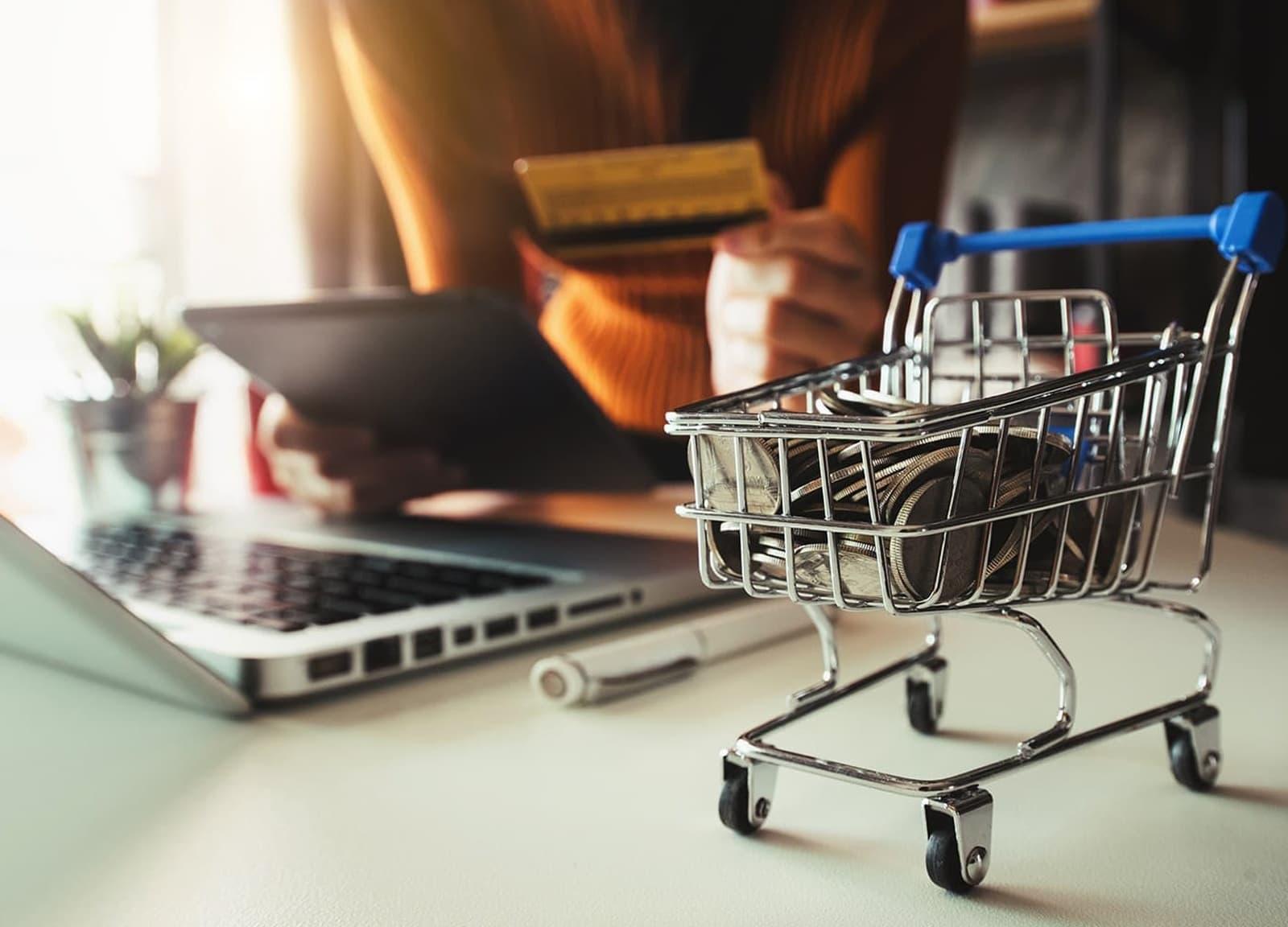 Compra regular na internet é feita por quase 7 a cada 10 brasileiros, diz PwC